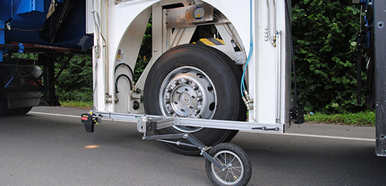 "[Photo: Mobile Tyre Test Rig ""FaReP""]"